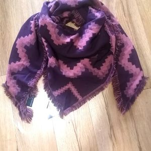 🆕Addition elle triangle wrap scarf reversible ,pink and purple
